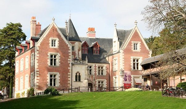 в каком замке находится дом музей леонардо да винчи