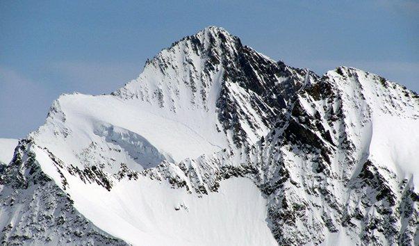 Гора Финстерархорн