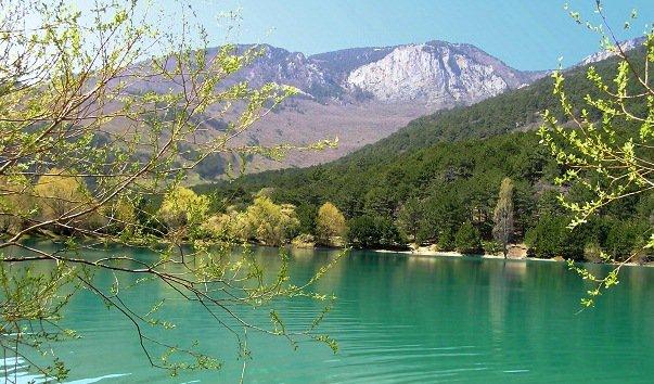 Горное озеро Партенита