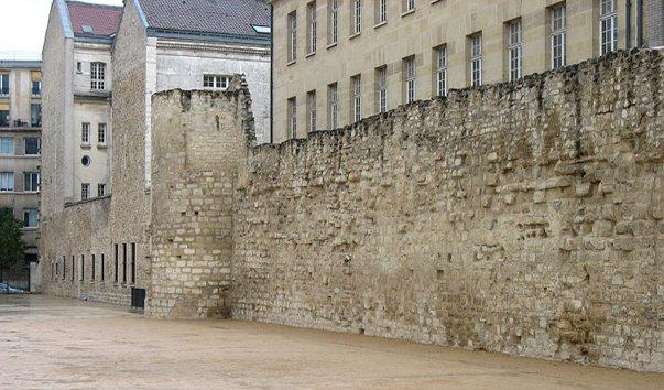 Городские стены Парижа
