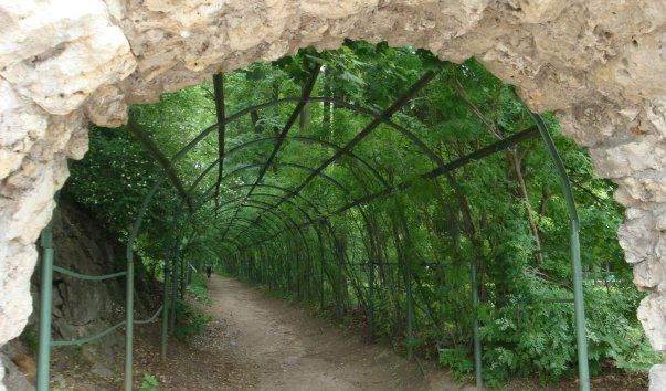 Грот в парке усадьбы Архангельсое