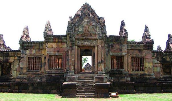 Храм Муанг Тум