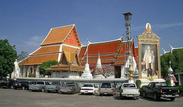 Храм Panan Choeng