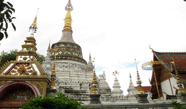 Храм Saen Fang