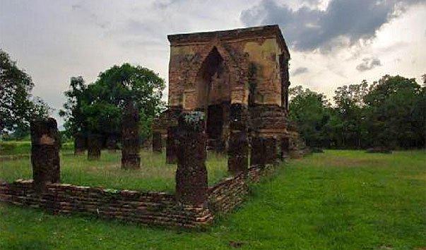 Храм Wat Trapang Tong Lang