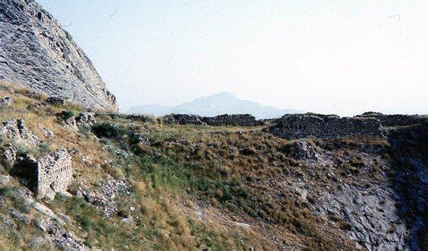 Крепость Алинджакала