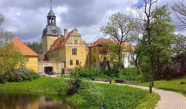 Лиелстраупский замок