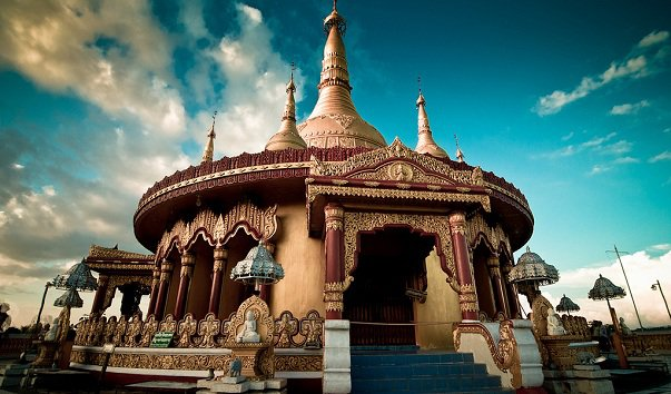 Монастырь Buddha Dhatu Jadi