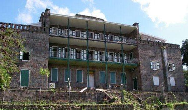 Отель Бэт-Хаус