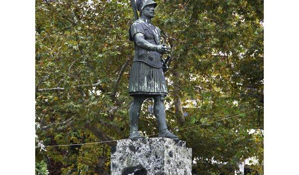 Памятник Фемистоклу