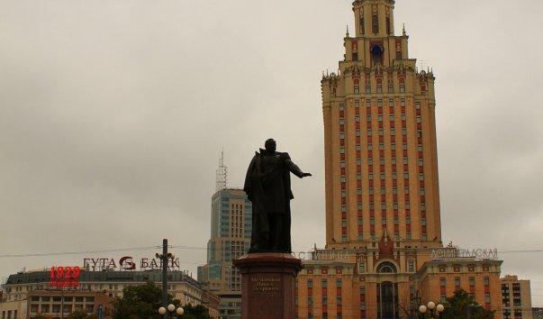 Памятник П. Мельникову - первому министру путей сообщения