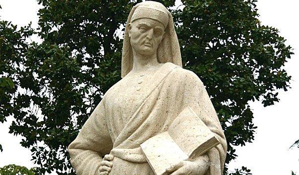 Памятник врачу Петру Абанскому в парке Монтирон