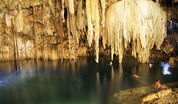 Пещера Cenote Aerolito de Paraiso