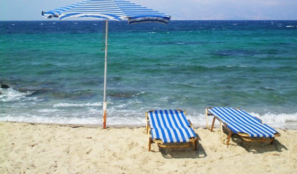 Пляж Megali Ammos
