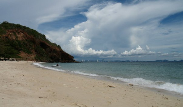 Пляж Naul