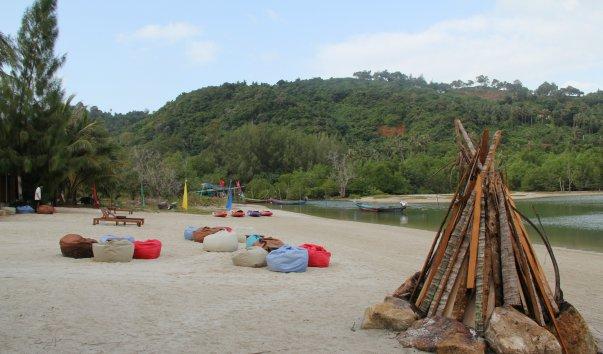 Пляж Taling Ngam