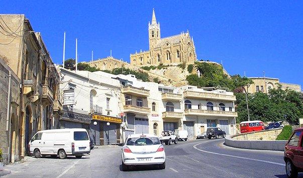 Прибрежная улица