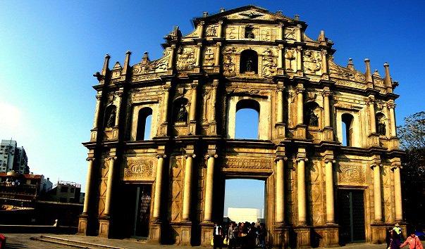 Руины собора св.Павла