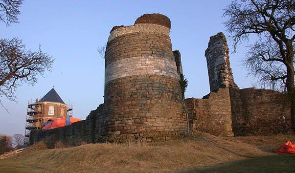 Руины замка Монфорт