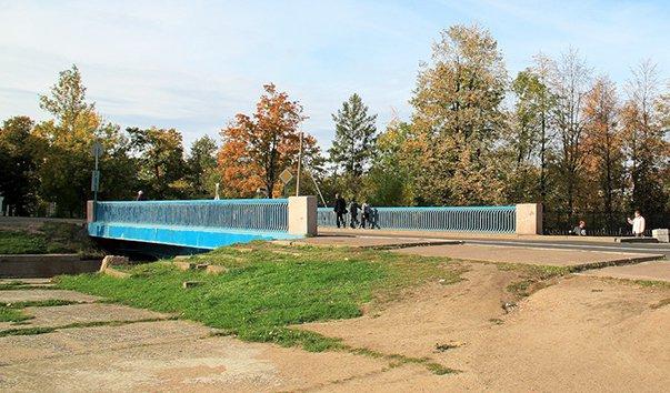 Синий мост через Обводный канал