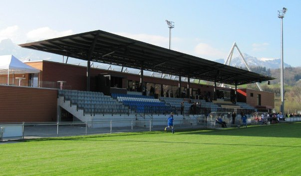 Стадион «Шпортпарк Эшен-Маурен»