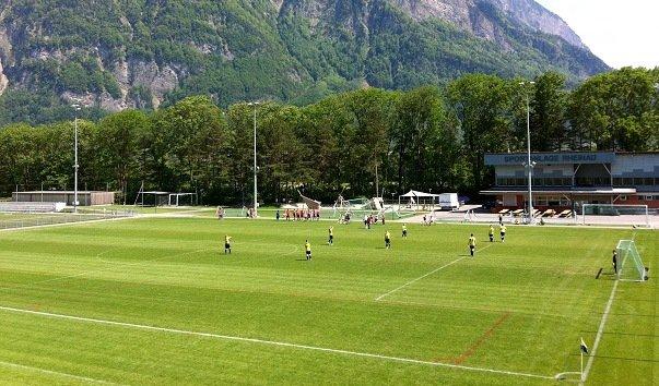 Стадион «Шпортплац Райнау»