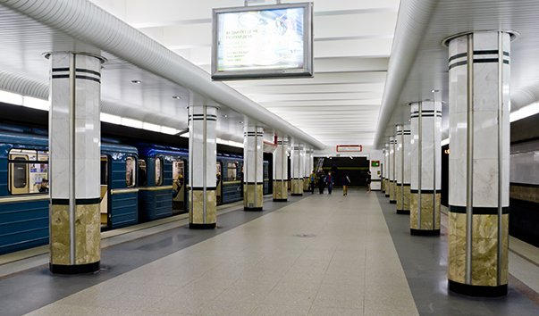 Станция метро Каменная Горка