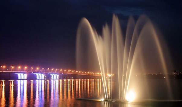 Светомузыкальный фонтан «Белый лебедь»