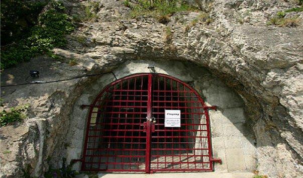 Театр в бункере
