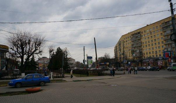 zhena-suet-palets-v-popu-muzhu