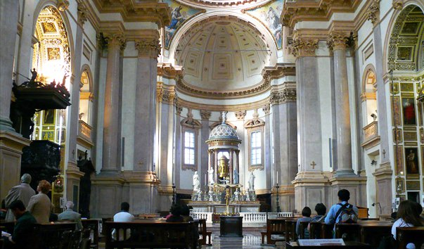 Церковь Сан Феделе