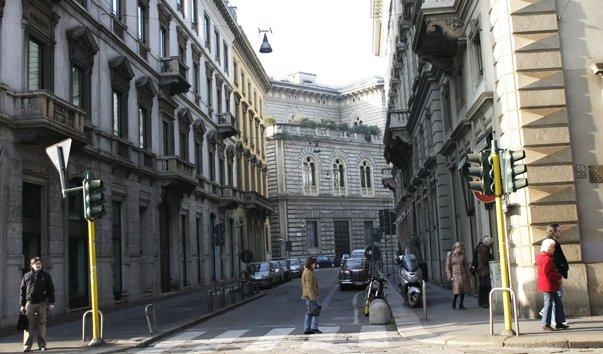 Улица Via Manzoni