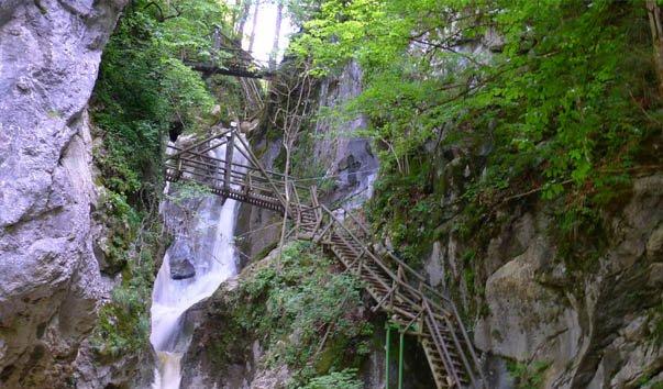Водопад Кессельфалькламм