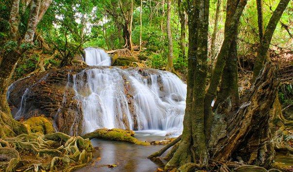 Водопад Pha Tad