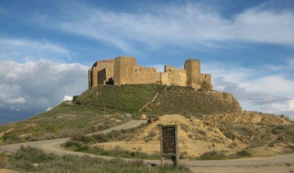 Замок Монтеарагон