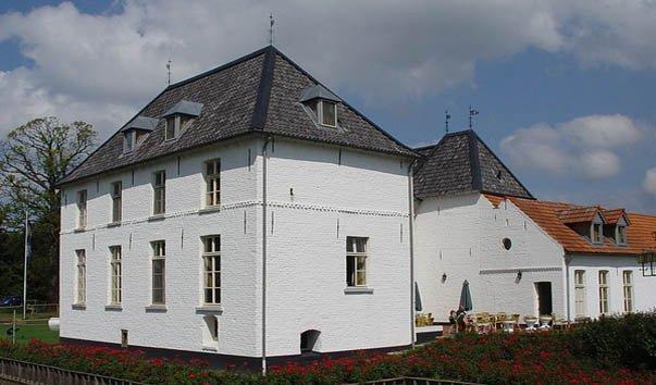 Замок Оойен