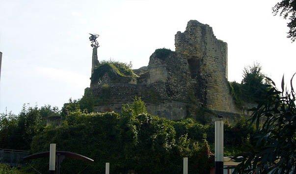 Замок Валкенбург