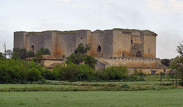 Замок Вильальба-де-лос-Алькорес