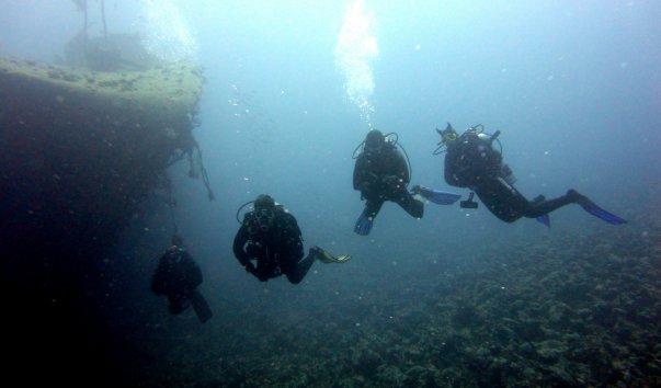 Затонувший корабль Эль-Мина